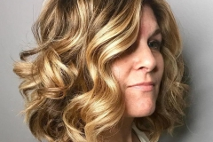40 Yaş Üstü Kadınlar İçin Saç Modelleri 21