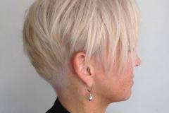 40 Yaş Üstü Kadınlar İçin Saç Modelleri 23