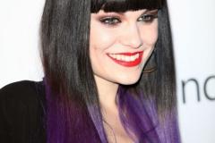 Mor Renk Saç Modeli 2