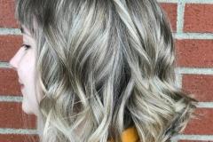 Platin Renk Saç Modelleri 23