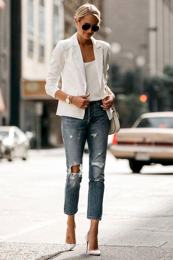 Beyaz Kıyafetlerinizle Açık Renk Kotları Kombin Haline Getirin